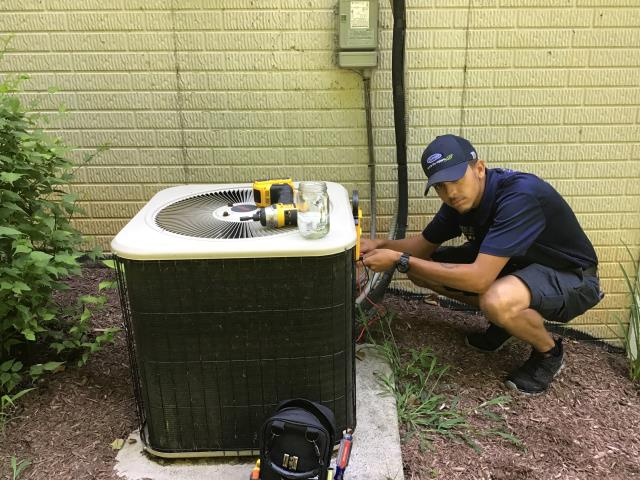 Carroll, OH - Performed tune-up/ inspection on LENNOX A/C unit.