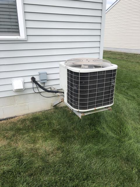 Pickerington, OH - Diagnostic Performed Replaced Dual Capacitor On Bryant AC System To Keep AC Running At Highest Performance For The Summer Season