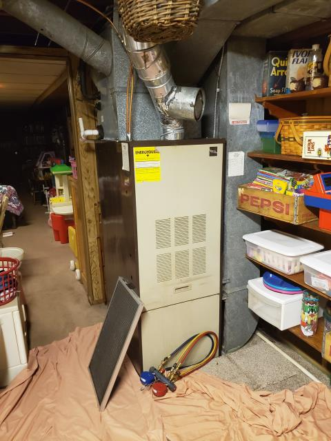 Groveport, OH - Performed Our Special Tune-Up & Safety Checkout On Carrier Fuel Oil  Furnace To Keep Furnace Running Efficiently For The Fall/Winter Season
