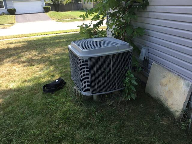 Reynoldsburg, OH - Electronic Leak Search Performed On Comfortmaker AC System To Keep AC Running Efficiently For The Summer Season