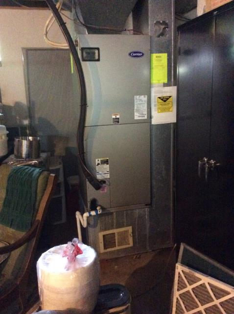 Pickerington, OH - Performed Our Special Tune-Up & Safety Checkout On a Carrier  Gas Furnace To Keep Furnace Running Efficiently For The Winter Season.