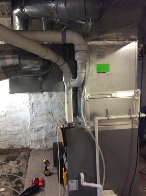 Columbus, OH - Performed Our Special Tune-Up & Safety Checkout On Comfortmaker  Gas Furnace To Keep Furnace Running Efficiently For The Winter Season