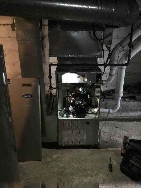 Groveport, OH - Furnace tuneup and safety check on Carrier furnace. All is working as it should at this time.