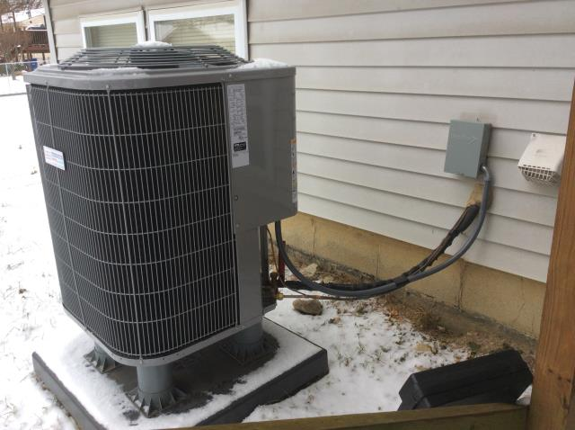 Columbus, OH - Wearing  mask and gloves and keep activity in the home to a minimum, I Performed A/C tune-up on a 2017 Carrier Heat pump.