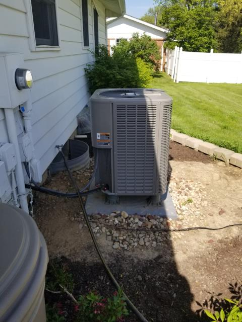 Pickerington, OH - Wearing mask and gloves and keep activity in the home to a minimum, I Performed A/C tune-up on a 1994 Lennox Heat pump.