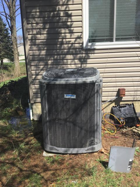 Pickerington, OH - Wearing mask and gloves and keep activity in the home to a minimum, I Performed a Air Conditioner tune-up on a 2006 Comfortmaker unit . System is now running a peak performance