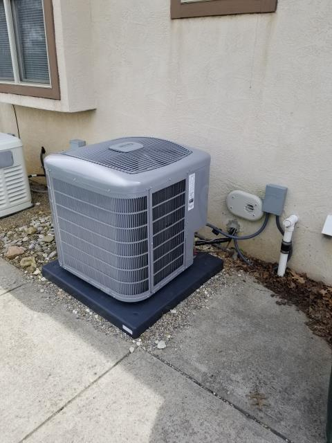 Johnstown, OH - Performing our Five Star Tune-Up & Safety Check on a 2018 Carrier AC unit. Sprayed down the condenser unit. All is operating properly at this time.