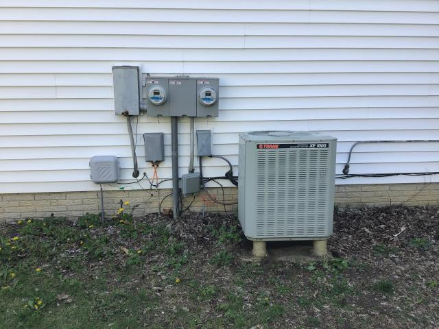New Albany, OH - Provided online quote for Dublin customer to replace current Trane system with new Carrier equipment. Pictured below is the current heat pump.