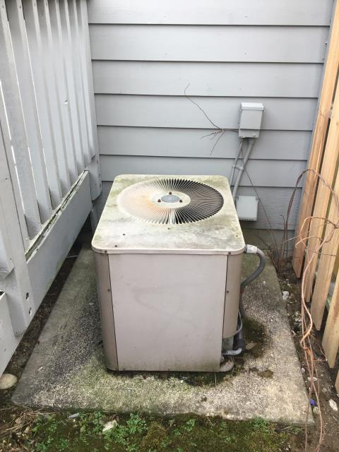 Columbus, OH - Performing our Five Star Tune-Up & Safety Check on a 1998 Armstrong AC unit. All readings are within manufacturer's specifications at this time. Unit operational upon departure.