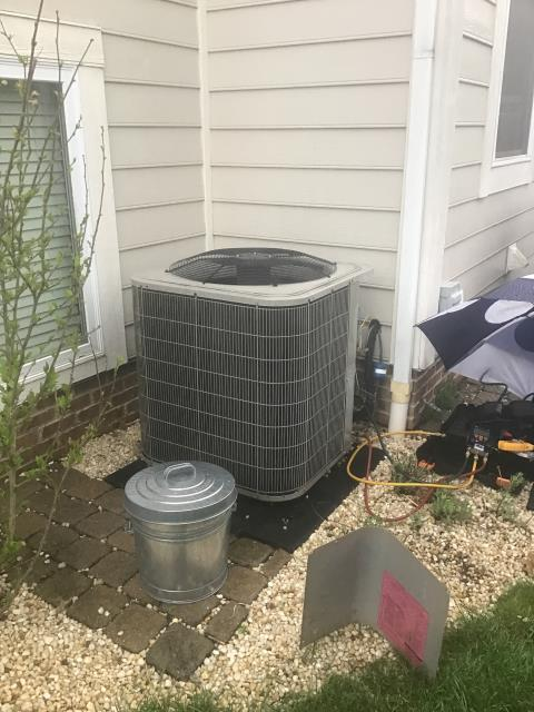 New Albany, OH - Upon arrival found that there may be a a nitrogen leak. Returning to check and to verify.