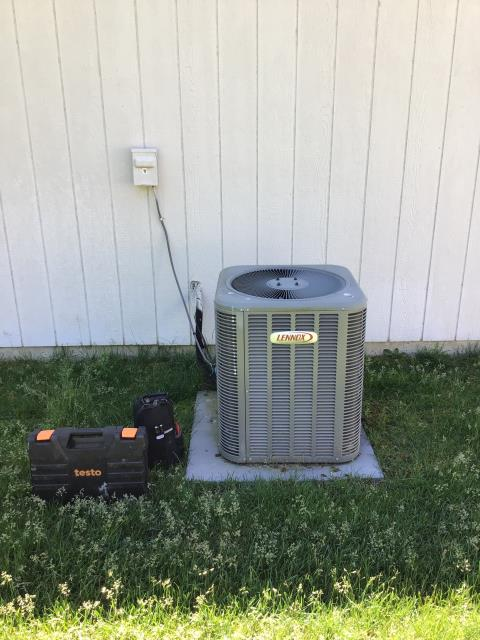 New Albany, OH - Performed electronic leak search and within 5 minutes found multiple leaks on 2012 Lennox evap coil.
