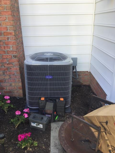 New Albany, OH - Seasonal maintenance on 2018 Carrier 13 SEER 4 Ton AC unit. The system is running as it should and is in good working order. 87583