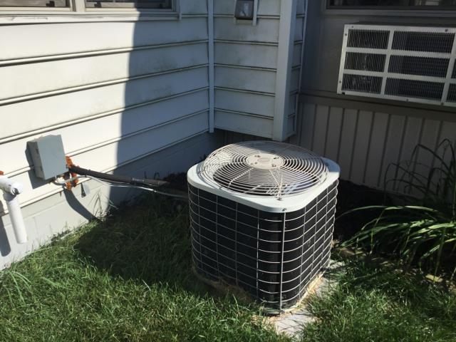 Granville, OH - Seasonal maintenance on 2019 Carrier AC. The system is running as it should and is in good