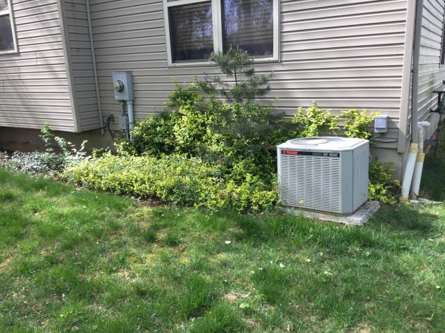 Canal Winchester, OH - I Performing our Five Star Tune-Up & Safety Check on a 2016 Comfortmaker Air Conditioner