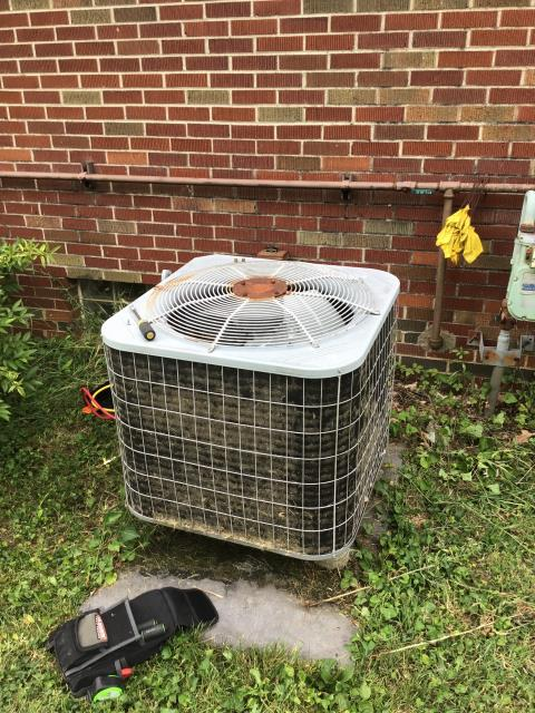 Columbus, OH - Found unit low on R22 Pressures at 40/166 evap coil at negative 2 degrees. Unit could possibly be up to 9 pounds low of outdated refrigerant. Leak is commonly found in the evaporator coil. Unit is 15 years old and in good condition, failure is from normal wear and tear. At this point, cost of repair outweighs cost of replacement. Providing estimates for both.