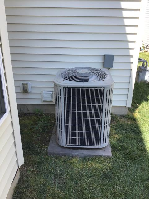 Westerville, OH - I replaced the Compressor-Motor Surge Capacitor on 2006 Bryant air Conditioner