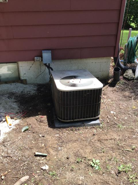Alexandria, OH - Unit not kicking on. Customer declined repairs. Since the Goodman unit is from 1991, and homeowner is redoing concrete, he wants to replace unit.
