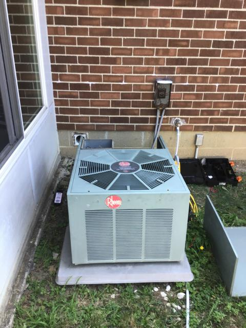 Columbus, OH - I Replaced the Compressor-Motor Surge Capacitor on a 2000 Rheem