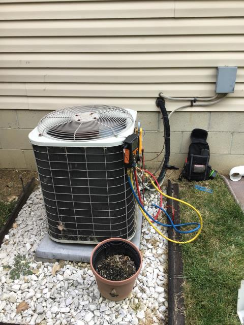 Reynoldsburg, OH - I replaced the Compressor-Motor Surge Capacitor and added 1 pound of  Refrigerant R-22 Freon into the 2000 Bryant Air Conditioner