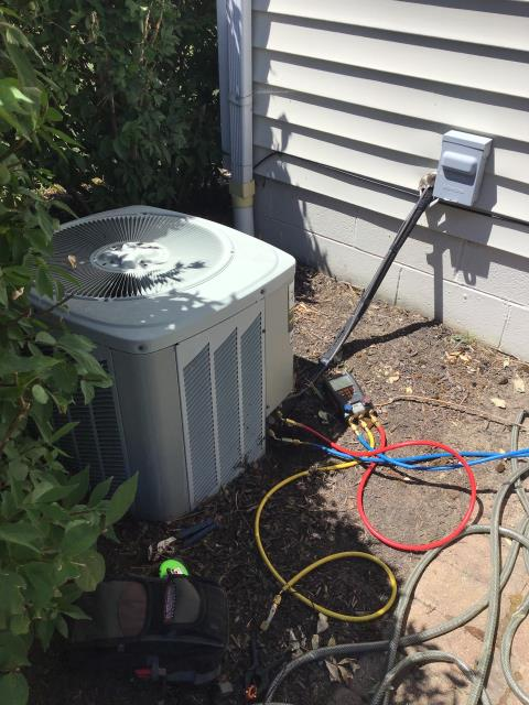 Canal Winchester, OH - This 2003 Trane Unit not cooling and is 7 pounds low on freon, R22 and will need the  OEM Evaporator Coil replaced