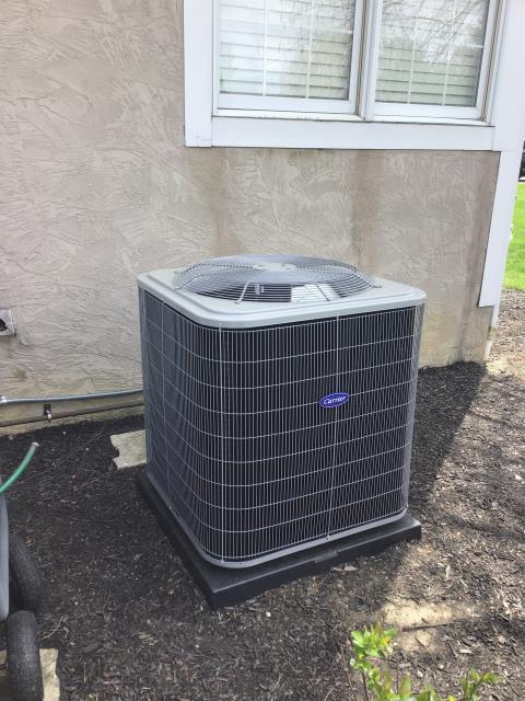 Powell, OH - I performed an installation inspection on a Carrier 16 SEER 3.5 Ton Air Conditioner. Everything looks great and is operating within manufacturers specifications at this time.