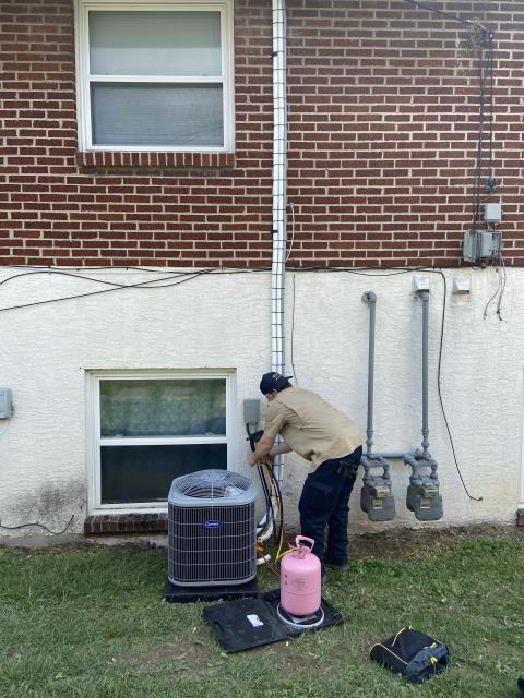 Columbus, OH - I assisted Installation of Carrier  13 SEER 2 Ton Air Conditioner.
