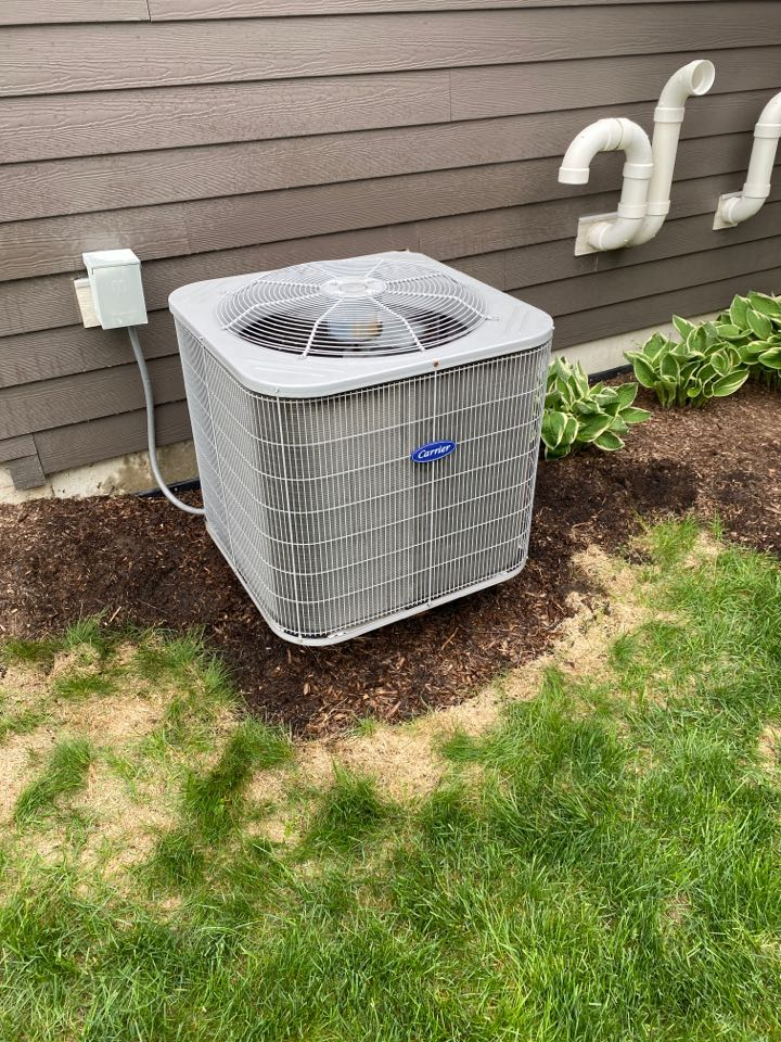 Downers Grove, IL - Carrier air conditioner maintenance