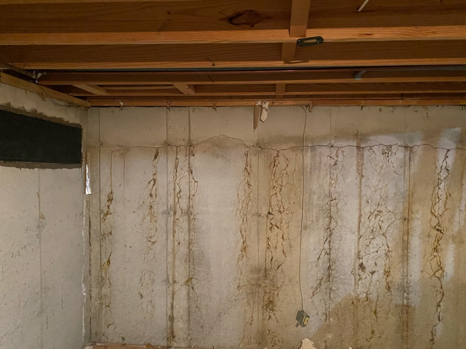 Lake Saint Louis, MO - Additional rebar pop foundation crack discovered.
