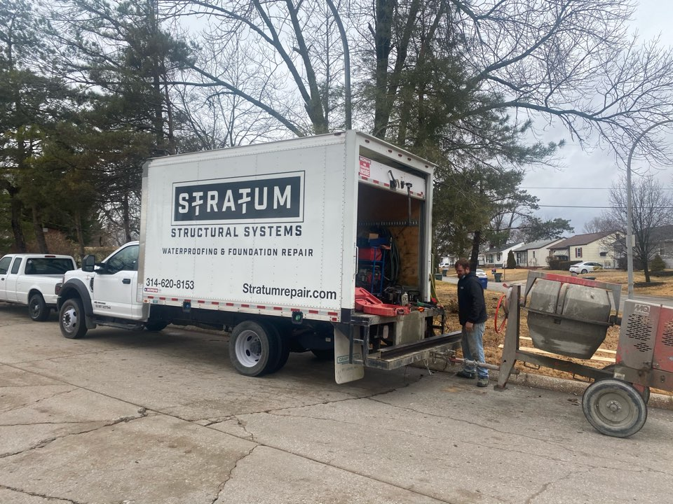 St. Louis, MO - Bowing wall? Call Stratum today at 314-620-8153.