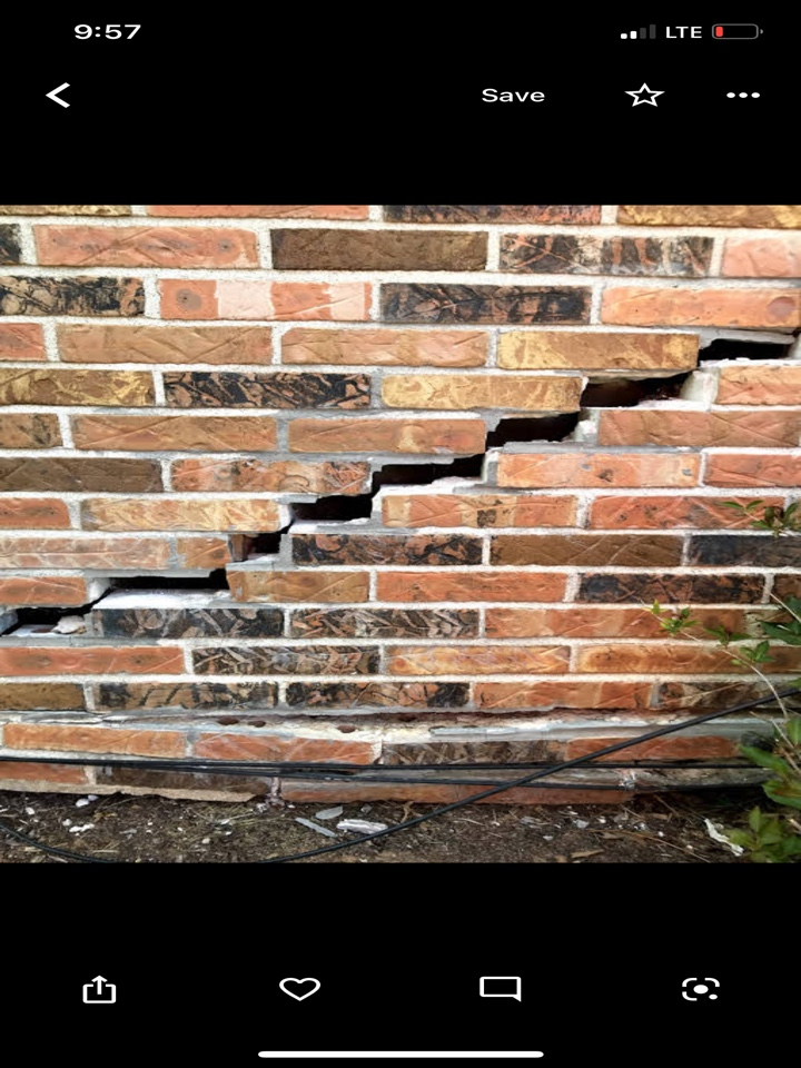 Evansville, IL - Foundation settlement - helical piers needed.