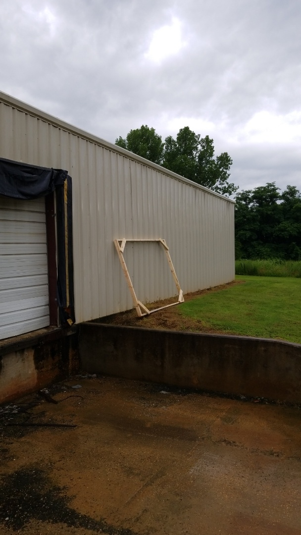 Ecru, MS - Framing slabs for units