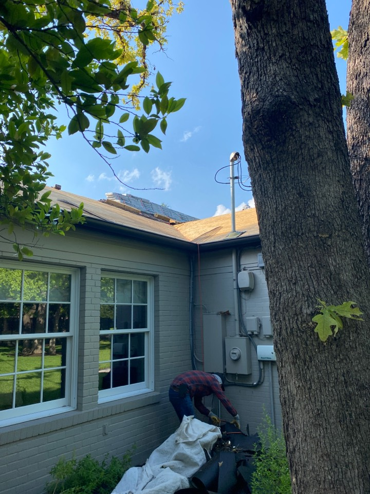 Austin, TX - Starting the replacement of the roof.