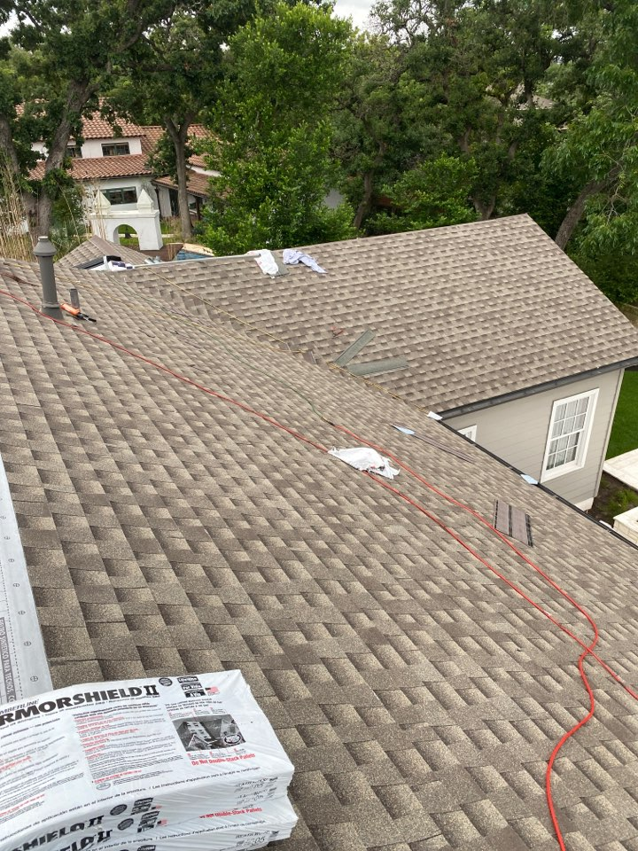 Austin, TX - Progress is going great for the new GAF lifetime warrantied roof system