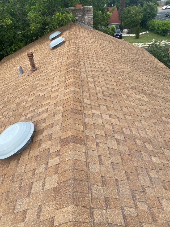 Austin, TX - Inspecting a roof for storm damage