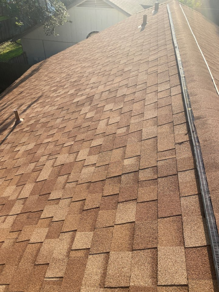 Round Rock, TX - Inspecting a roof for storm damage