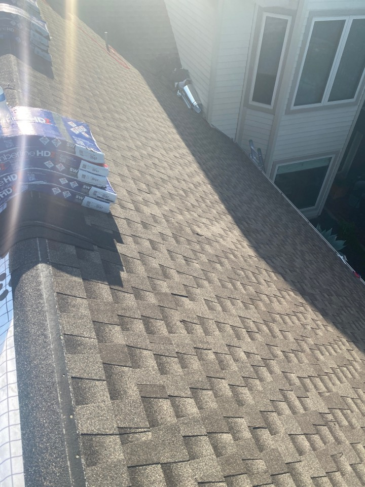 Austin, TX - Installing a new roof with GAF Timberline HDZ