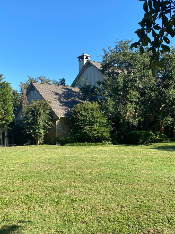 Austin, TX - Finished a beautiful new roof system by GAF with a lifetime warrantied roof system by the manufacturer.