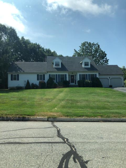 Ledyard, CT - New Gaf roof installed to replace a roof past it life span. GAF timberline HD