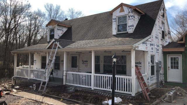Preston, CT - Starting a new siding job in Preston CT. Old vinyl siding is being removed and replaced with all new Vinyl siding and aluminum trim. New Seamless gutters with gutter guards.