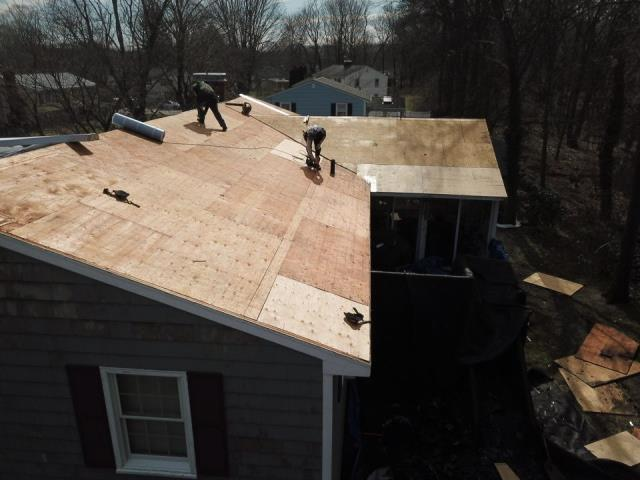 North Kingstown, RI - Here you can see all the damaged plywood has been replaced, and roof is ready for the next step, installation of the GAF Weatherwatch Ice & Water and GAF feltbuster synthetic underlayment.