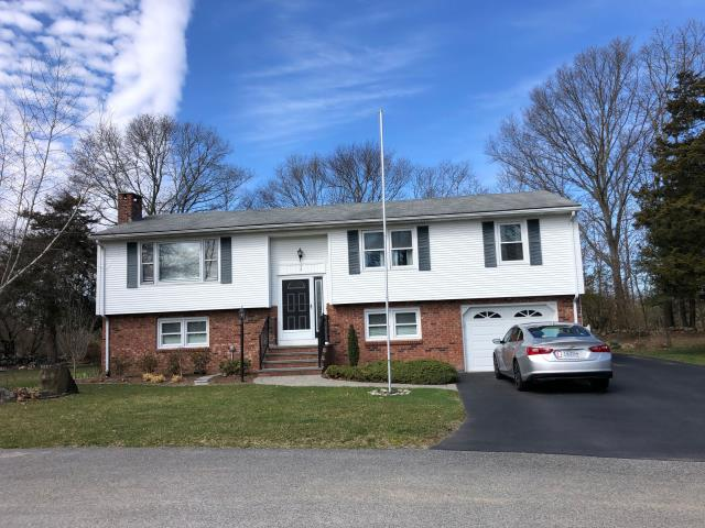 North Kingstown, RI - Roof inspection for a next door neighbor who was impressed with our roofing crew working today in North Kingstown RI. Homeowner wants a new GAF Timberline HDZ roof system installed like his neighbor!