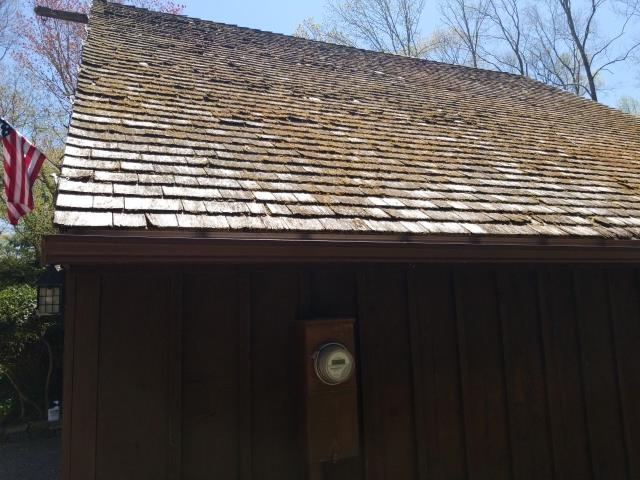 East Lyme, CT - Wood roof with rot and missing shingles in East Lyme. Wood shakes will be removed and a new GAF Timberline shingles installed.