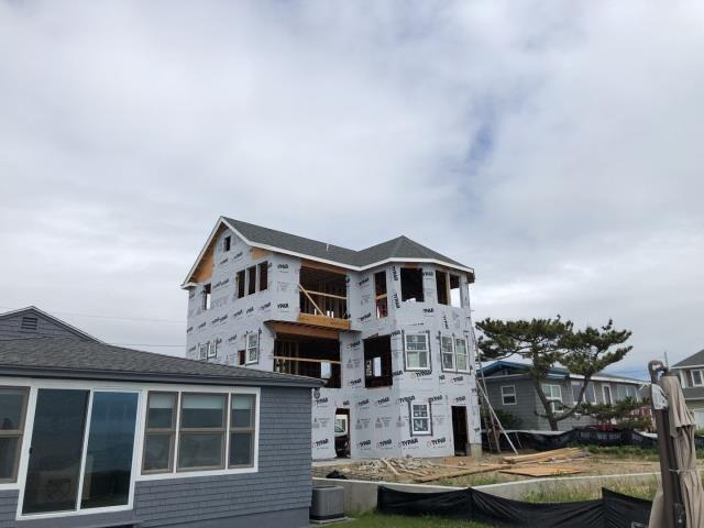 Narragansett, RI - Recently completed new construction roof project in Narragansett RI.