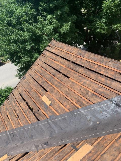 Plainfield, CT - Our roofers in Plainfield ct have removed the old roof shingles and found some old spaced boards! New sheathing will be installed to give a solid base to nail the new GAF roof shingles to.