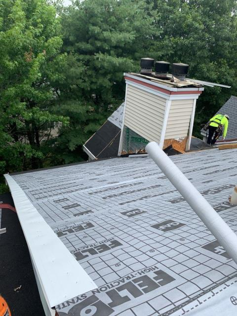 """Jupiter Point, CT - Great view of the GAF Accessories getting installed on this apartment building in Groton CT.GAF Feltbuster synthetic , F8"""" Drip edge, GAF weather watch ice & Water.Full GAF roof system"""
