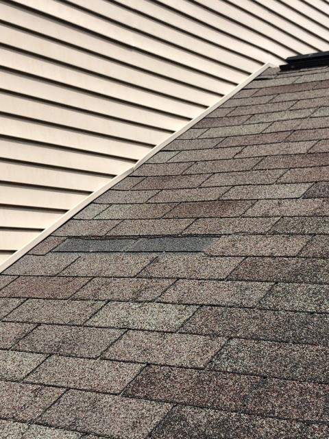 Lyme, CT - Missing shingles on this roof in Lyme CT. High winds have damaged this roof. Time for a full roof replacement. A new GAF Timberline HDZ shingle is a great choice! No limit on the wind warranty!