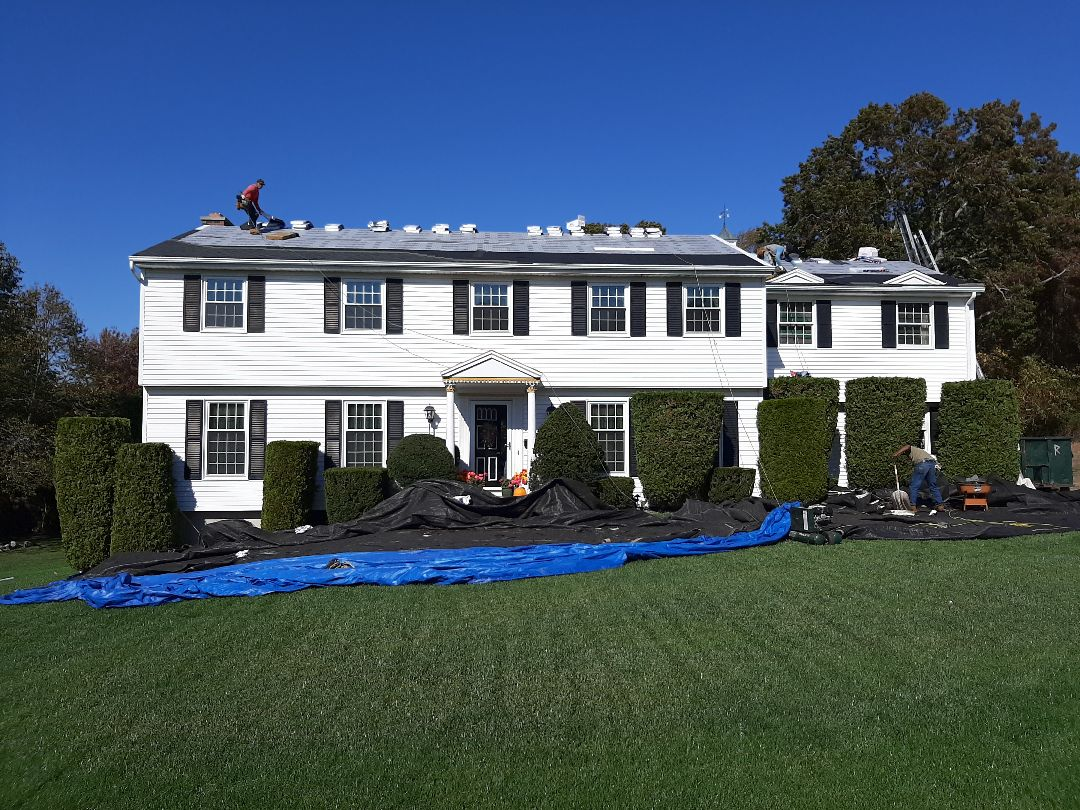 Waterford, CT - Roof is prepped with feltbuster synthetic paper, weatherwatch ice n water shield, and new drip edge. Now time to shingle.
