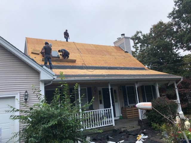 South Kingstown, RI - This roof replacement is under way in South kingstown RI. Old roof shingles have been removed and now its time to start installing all the GAF accessories and then the new GAF Timberline HDZ roof shingles.