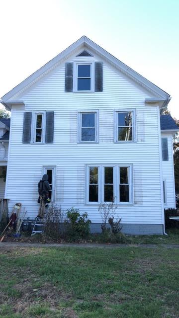 North Kingstown, RI - Replacement windows in North Kingstown RI being installed. We are using Harvery replacement windows on this home improvement project.