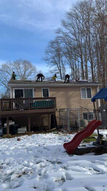 Stonington, CT - This roof replacement is going smooth! New roof one day! Full GAF Roof system being installed in Stonington Ct
